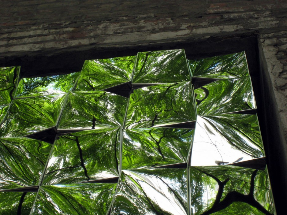 reflective-tiled-sculpture-016